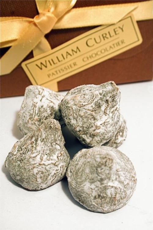 Chocolate (Cocoa mass, cane sugar, cocoa butter, vanilla), Champagne ...